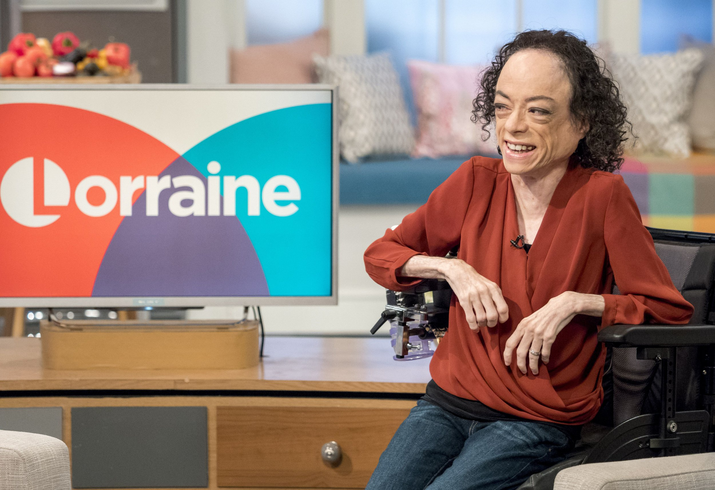 Dramatic moment police arrest man who attacked Silent Witness actress Liz Carr with scissors