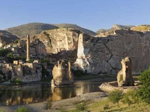 Caves of Hasankeyf on verge of being destroyed by a new dam
