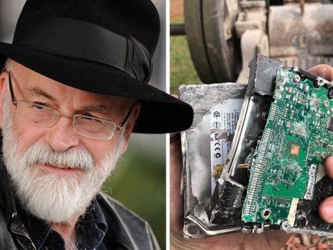 Sir Terry Pratchett's 10 unpublished stories destroyed by steamroller so they don't 'ruin the magic'
