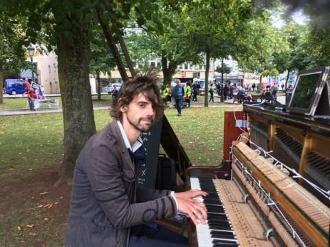 Bristol piano guy is NOT romantic