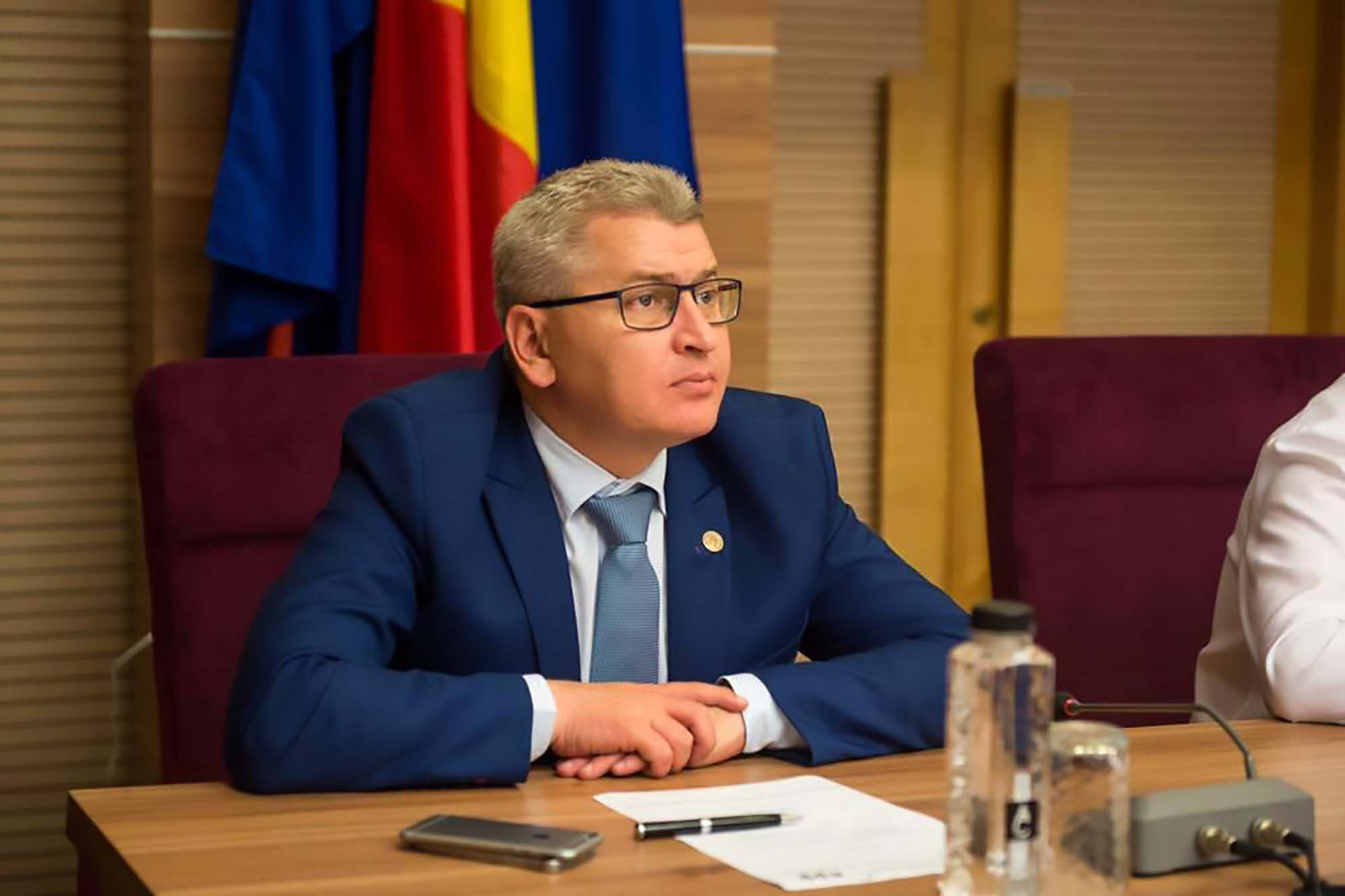 Romanian MP goes on hunger strike – and then quits after just three hours