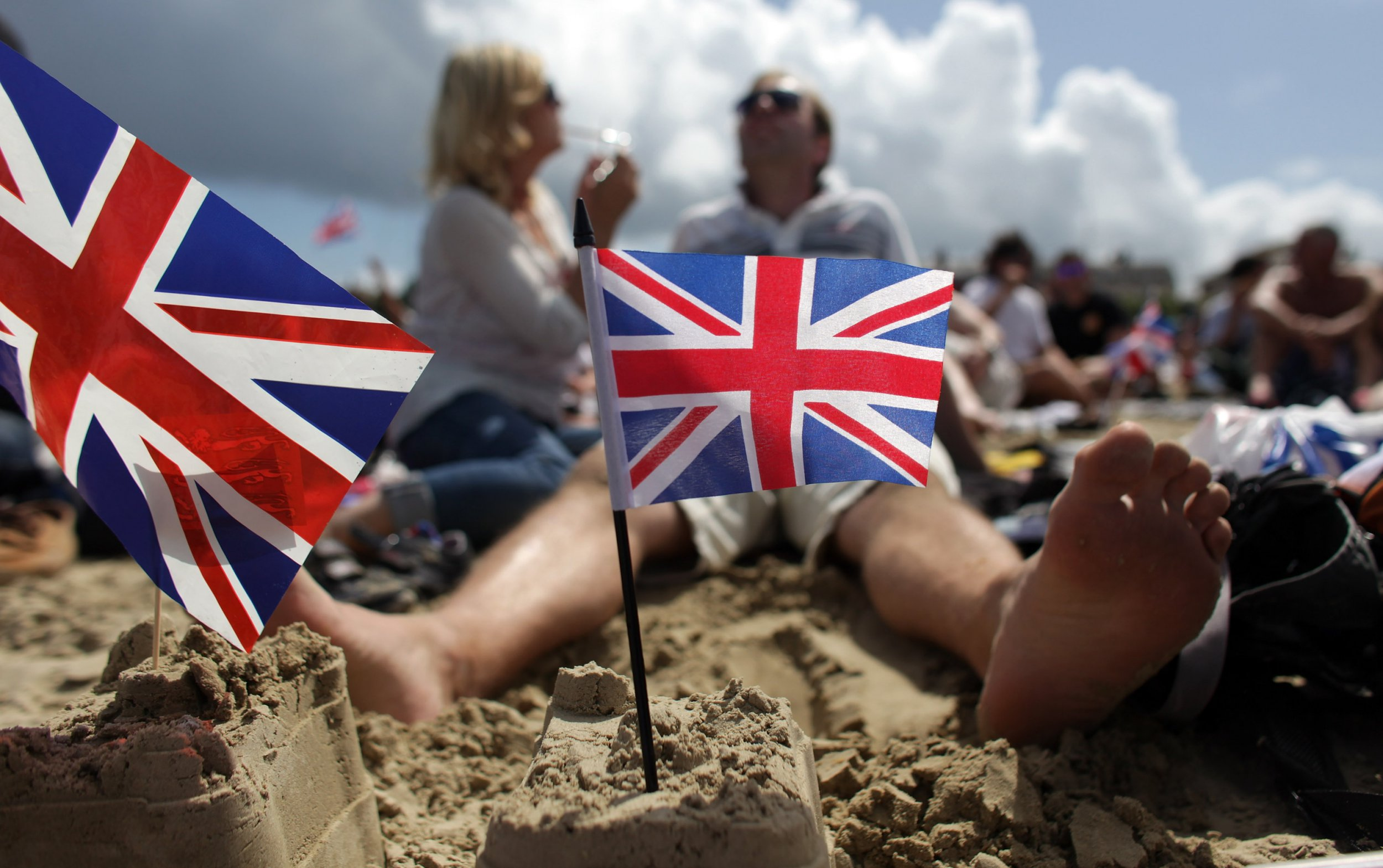 Weekend heatwave on its way with temperatures of 24°C in parts of UK