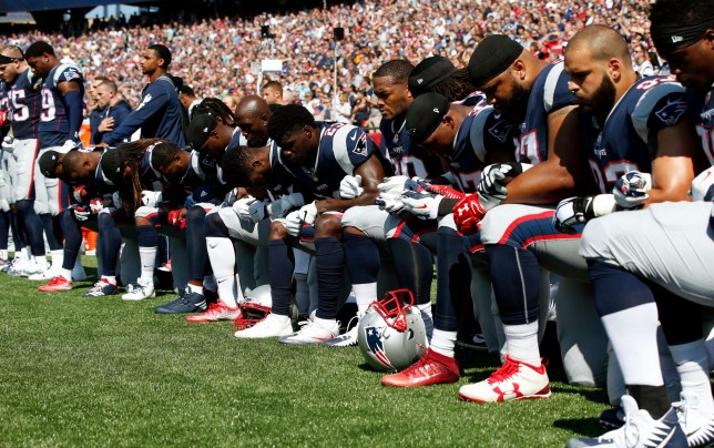 Did Trump's tweet make it safer for NFL players to kneel ... |Football Players Kneeling