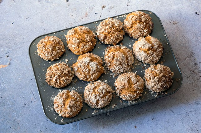 Vegan pumpkin streusel muffins recipe