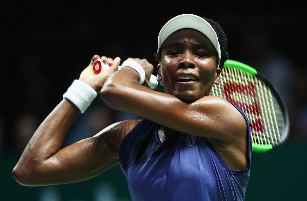 Venus Williams joins Karolina Pliskova and Caroline Wozniacki in the WTA Finals last-four after Garbine Muguruza win