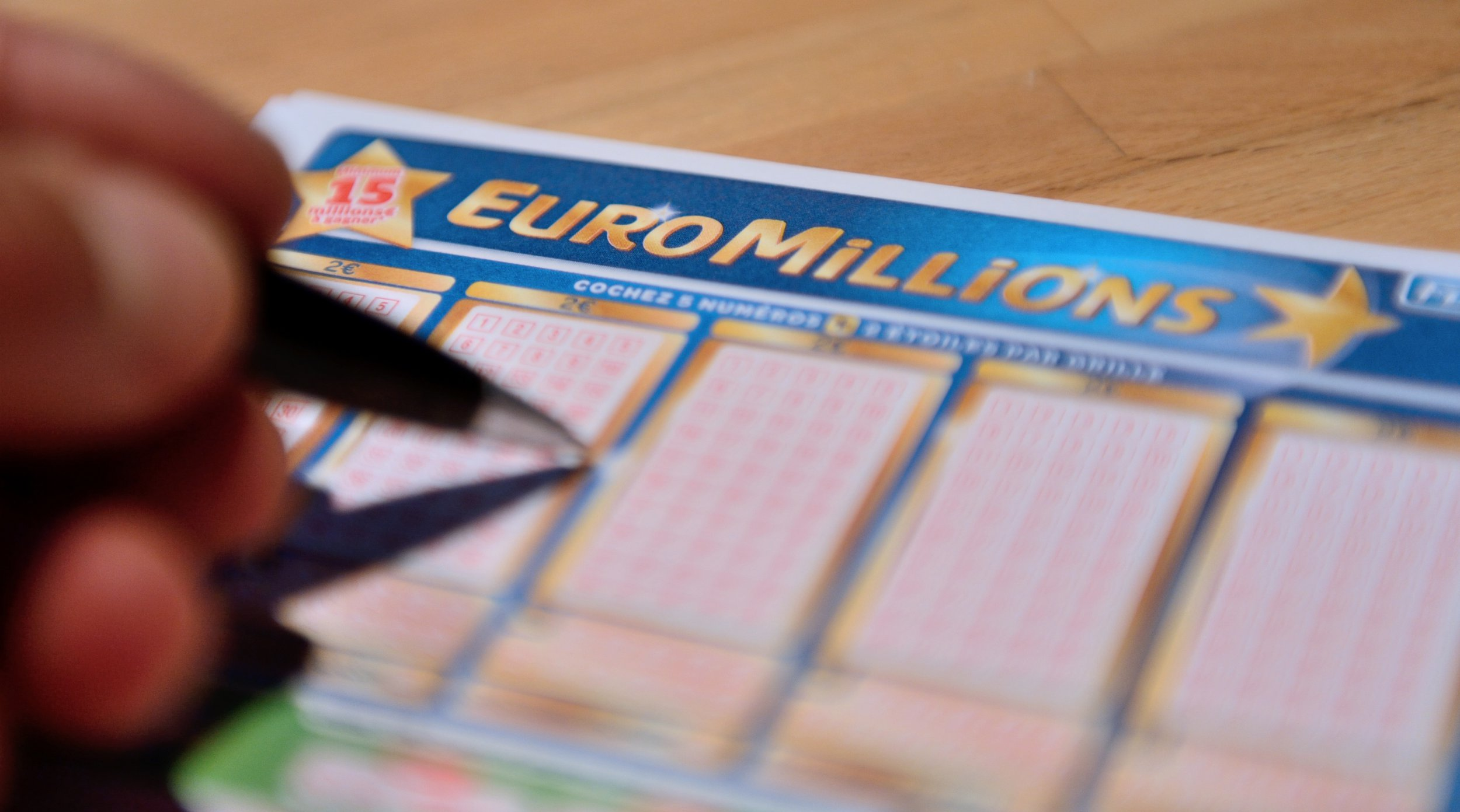 Biggest ever Euromillions jackpot is up for grabs tonight