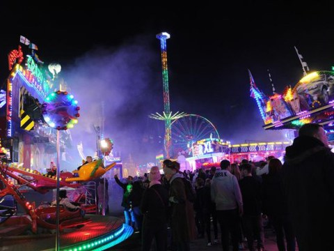 Funfair ride breaks down mid-air trapping thrill-seekers for 20 minutes