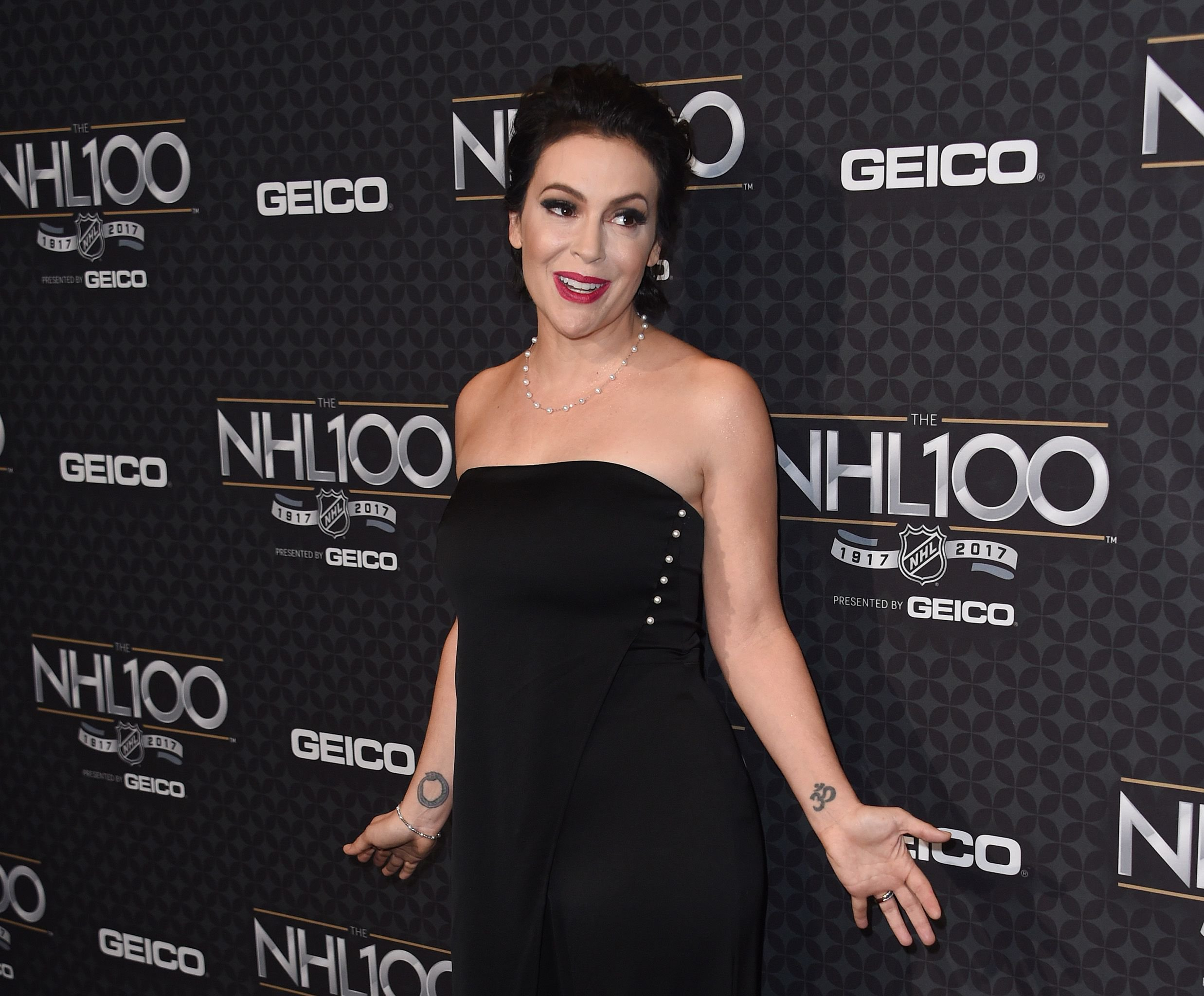 Alyssa Milano aims to expose 'magnitude' of sexual assault and harassment with #MeToo