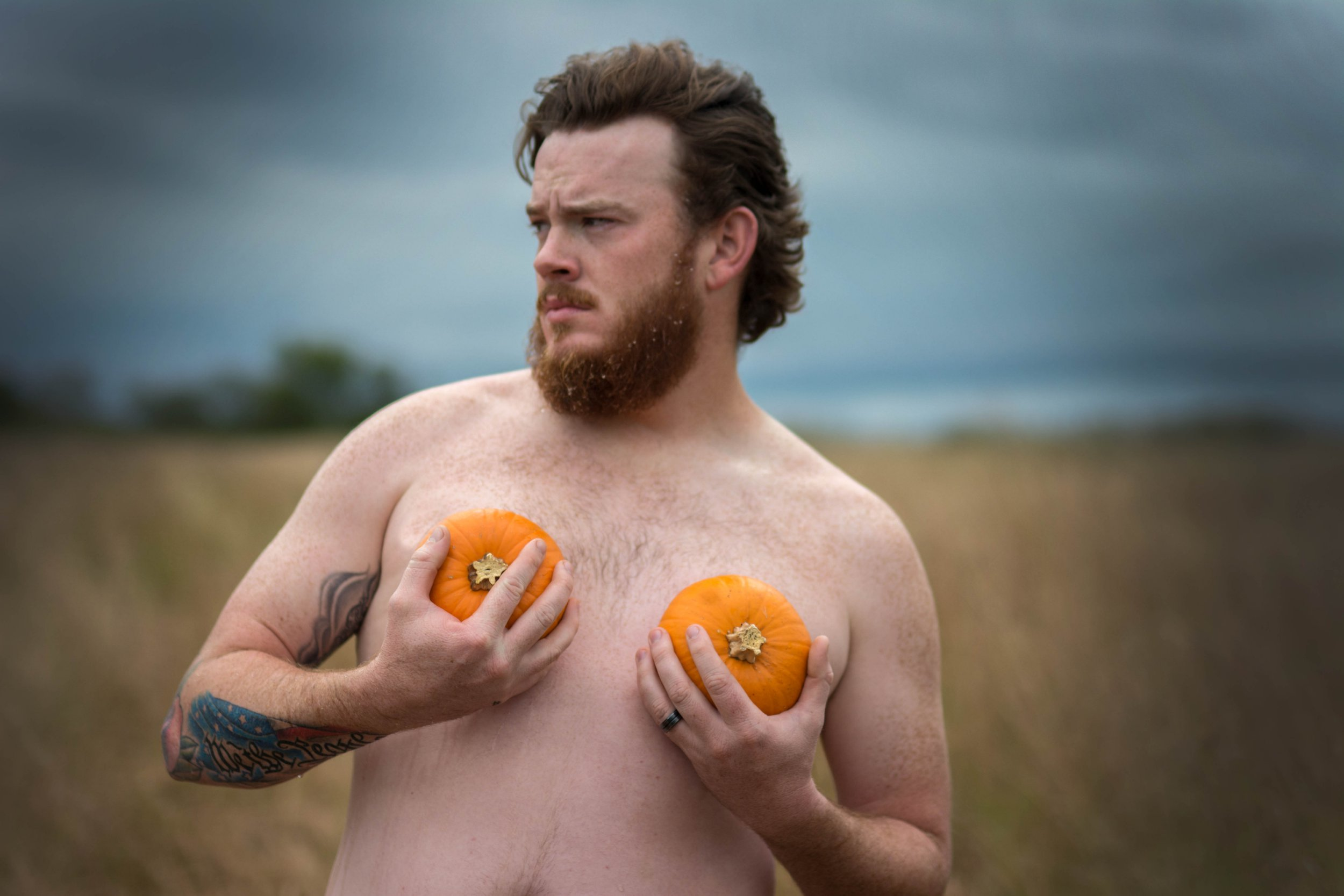 This guy's pumpkin themed dudeoir shoot is the Halloween treat we all deserve