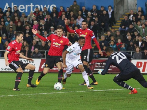 Sergio Romero embarrasses entire Swansea team with hilarious dribbling stat