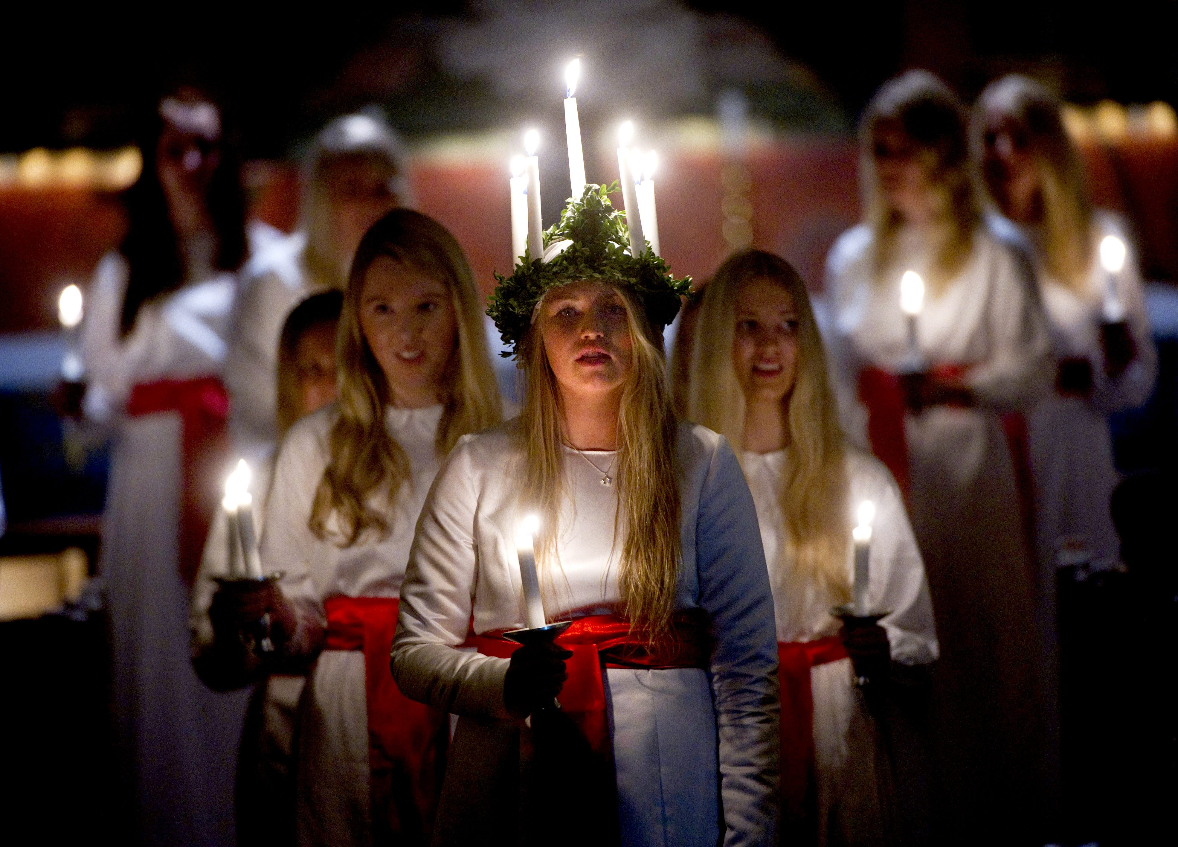 7 fascinating Advent traditions from star-shaped pinatas to candle crowns