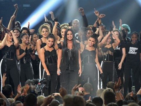 Demi Lovato takes on the trolls with powerful Sorry Not Sorry performance at 2017 AMAs