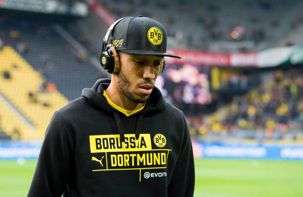 Pierre-Emerick Aubameyang in headphones