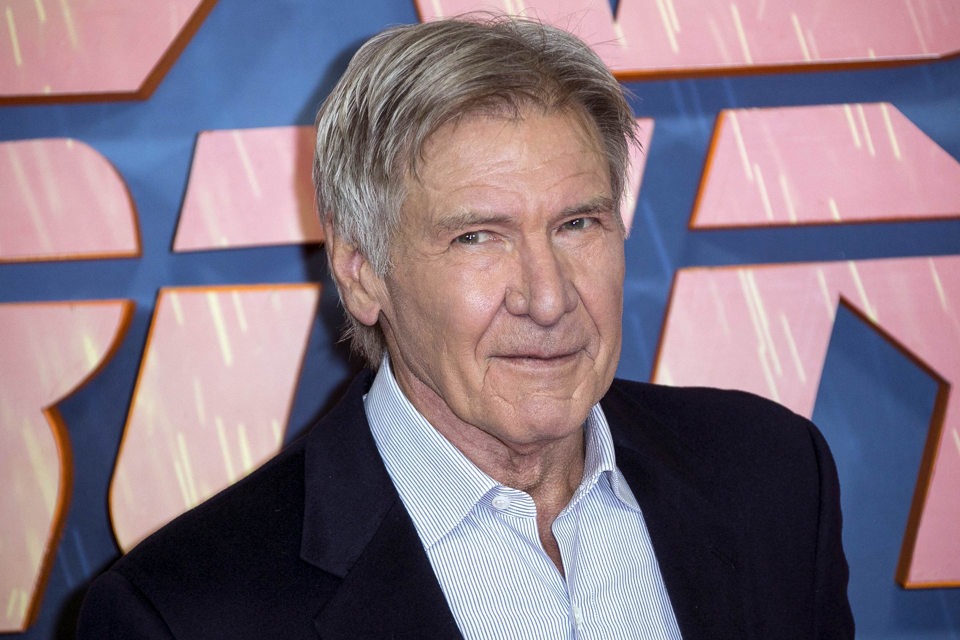 Heroic Harrison Ford helps woman involved in car crash