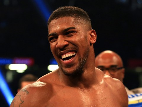 Anthony Joshua books plane ticket to America to hold Deontay Wilder talks