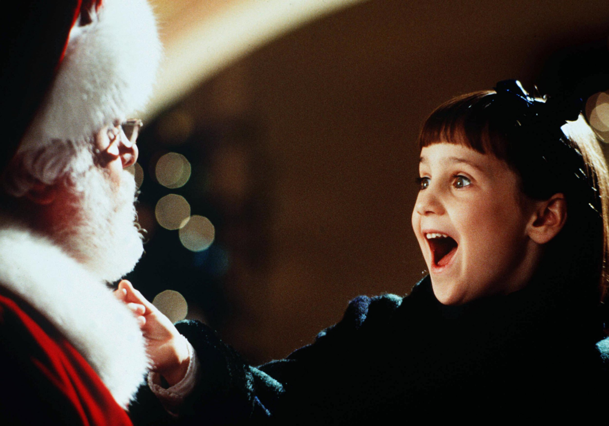 When is Miracle on 34th Street on TV and who is in the cast?