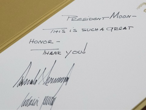 What does Donald Trump's handwritten message to South Korea's president reveal about him?