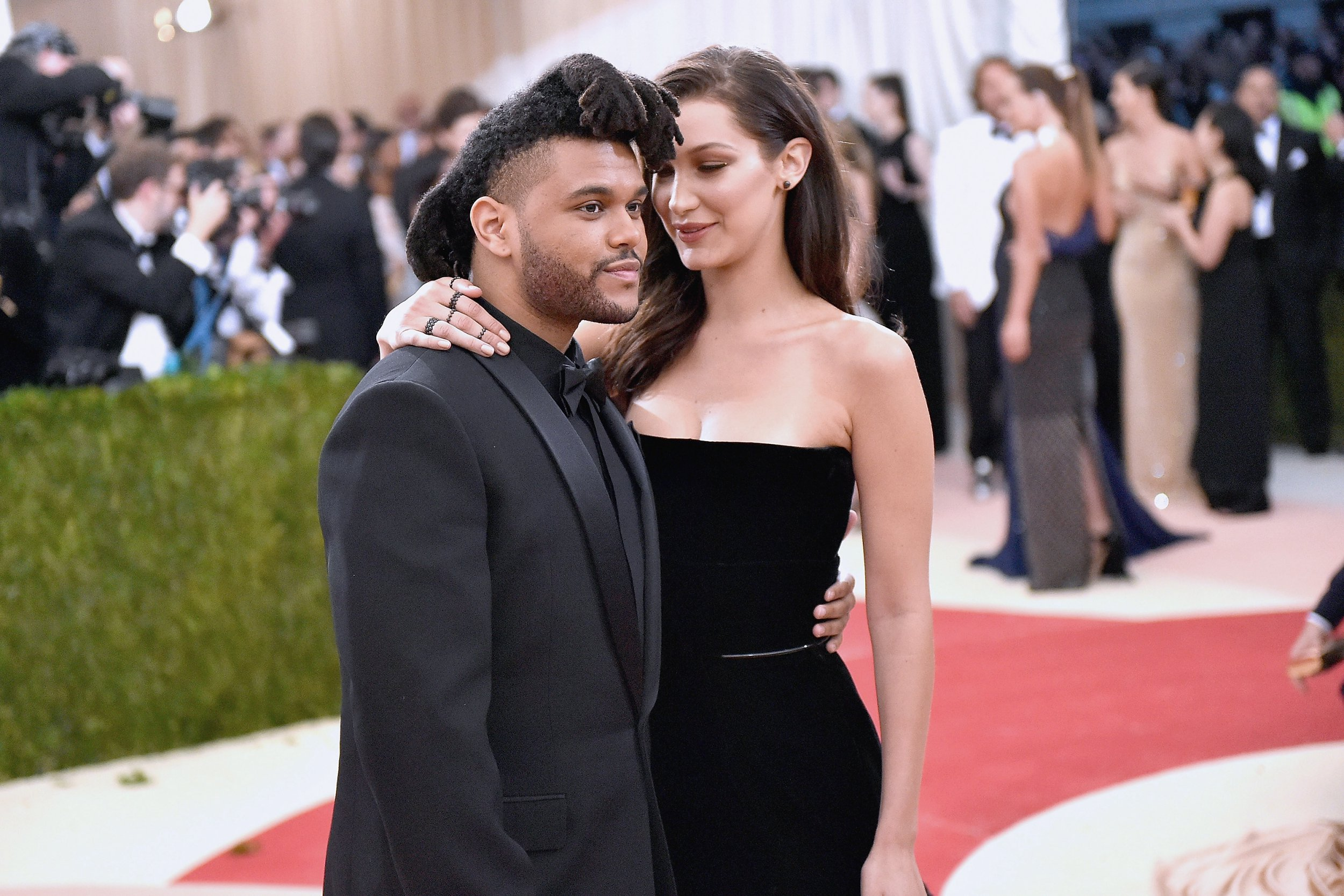 The Weeknd and Bella Hadid are on the verge of romance again