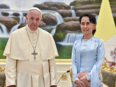 Pope Francis calls for peace in Myanmar but doesn't mention Rohingya crisis