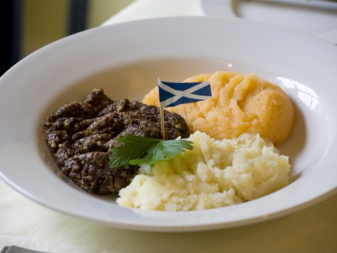 What is on a Burns Night menu? Starters, mains, and desserts for a Burns Supper