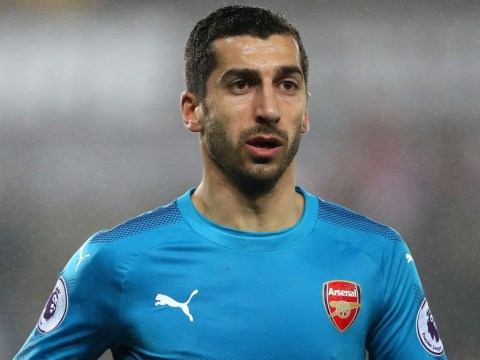 Arsenal's Twitter page trolls itself 1min after Henrikh Mkhitaryan comes on for debut at Swansea