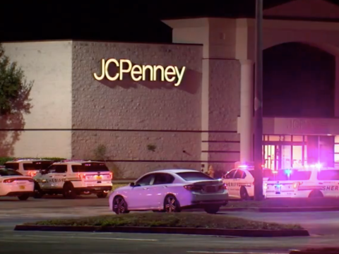 Police hunt suspect after two bombs explode at Florida mall