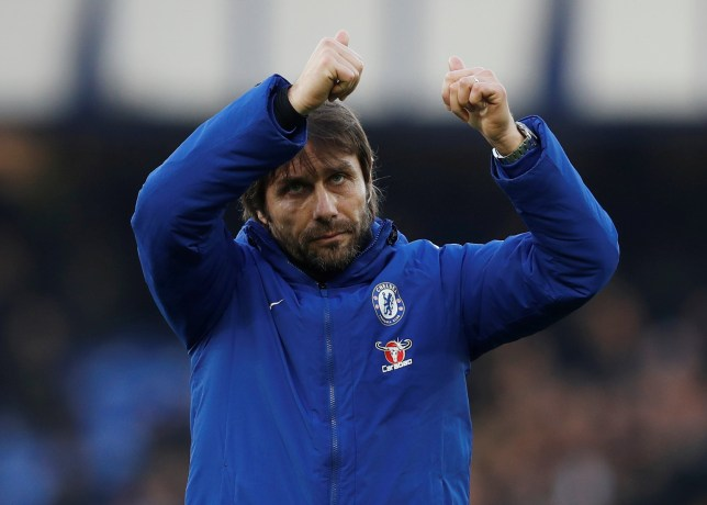 Antonio Conte gives the thumbs up