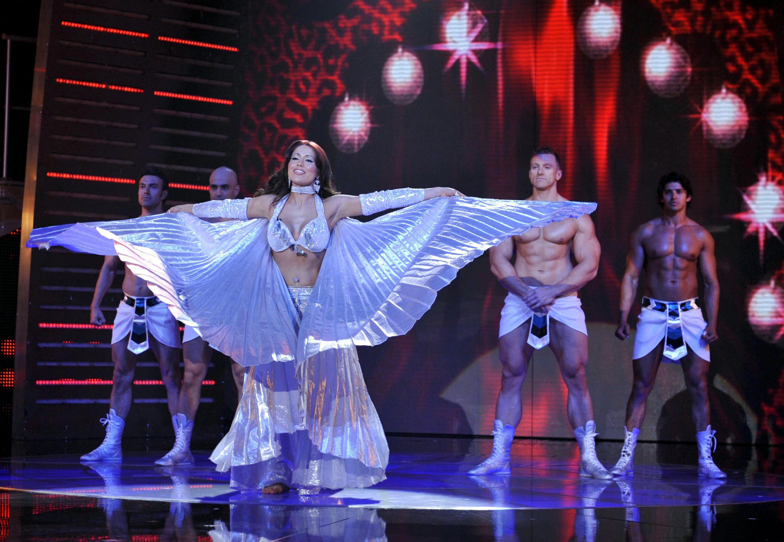 The secret-life of a professional bellydancer: 5 things you didn't know about working as a performer