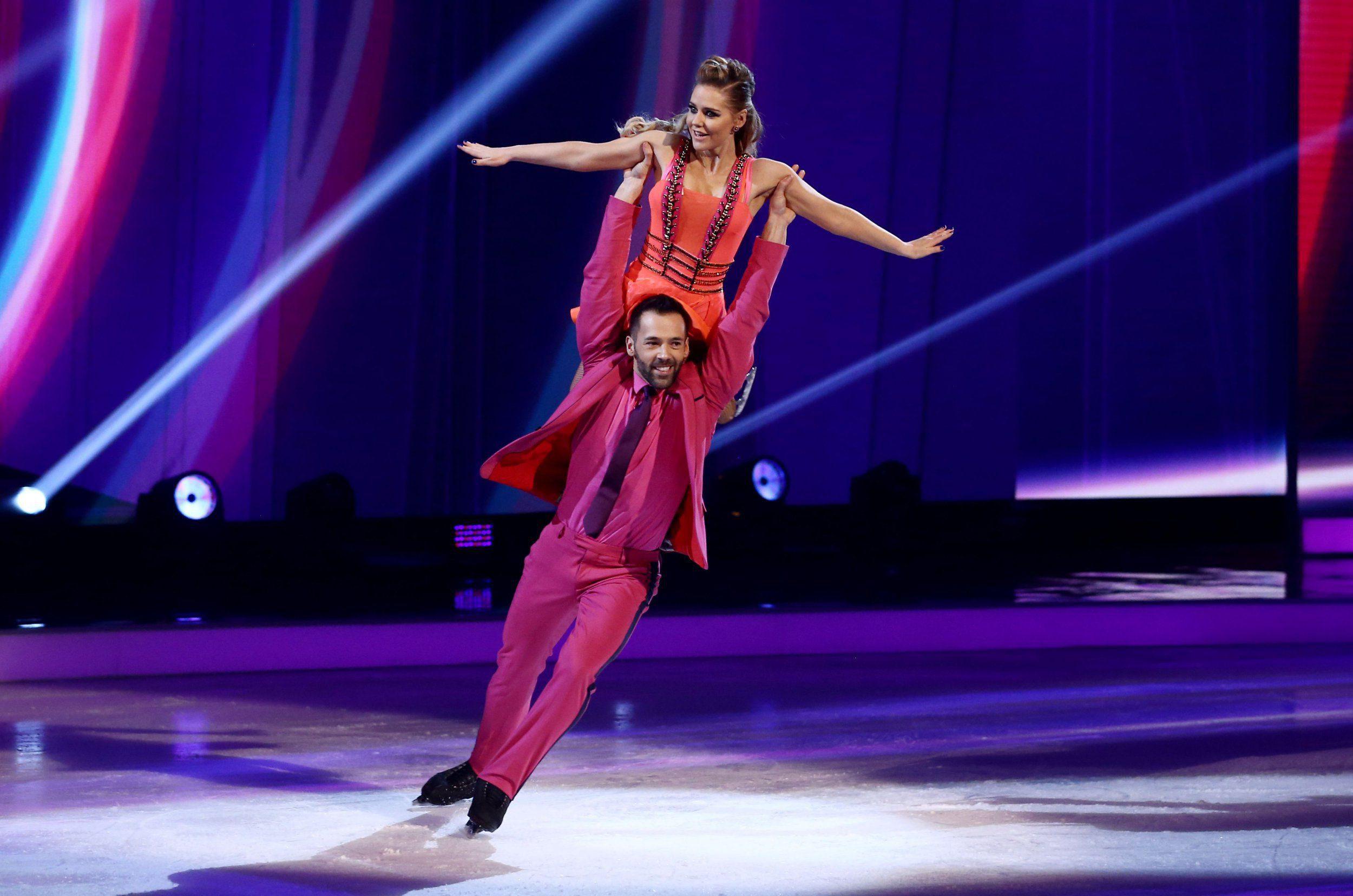 Sylvan danza su Ice dating datare qualcuno denti cattivi