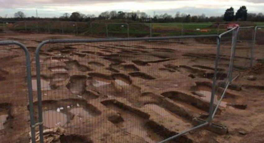 'Significant' archaeological find 'kept hush hush' by council developing site