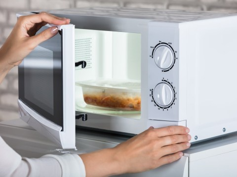 Your microwave is emitting nearly as much CO2 as 7,000,000 cars