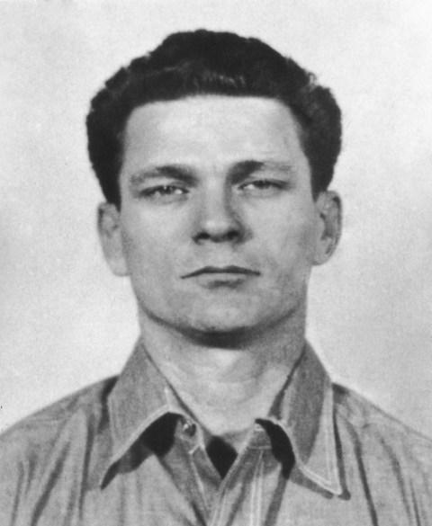 Man Who Escaped Alcatraz Writes Letter To Fbi Revealing He