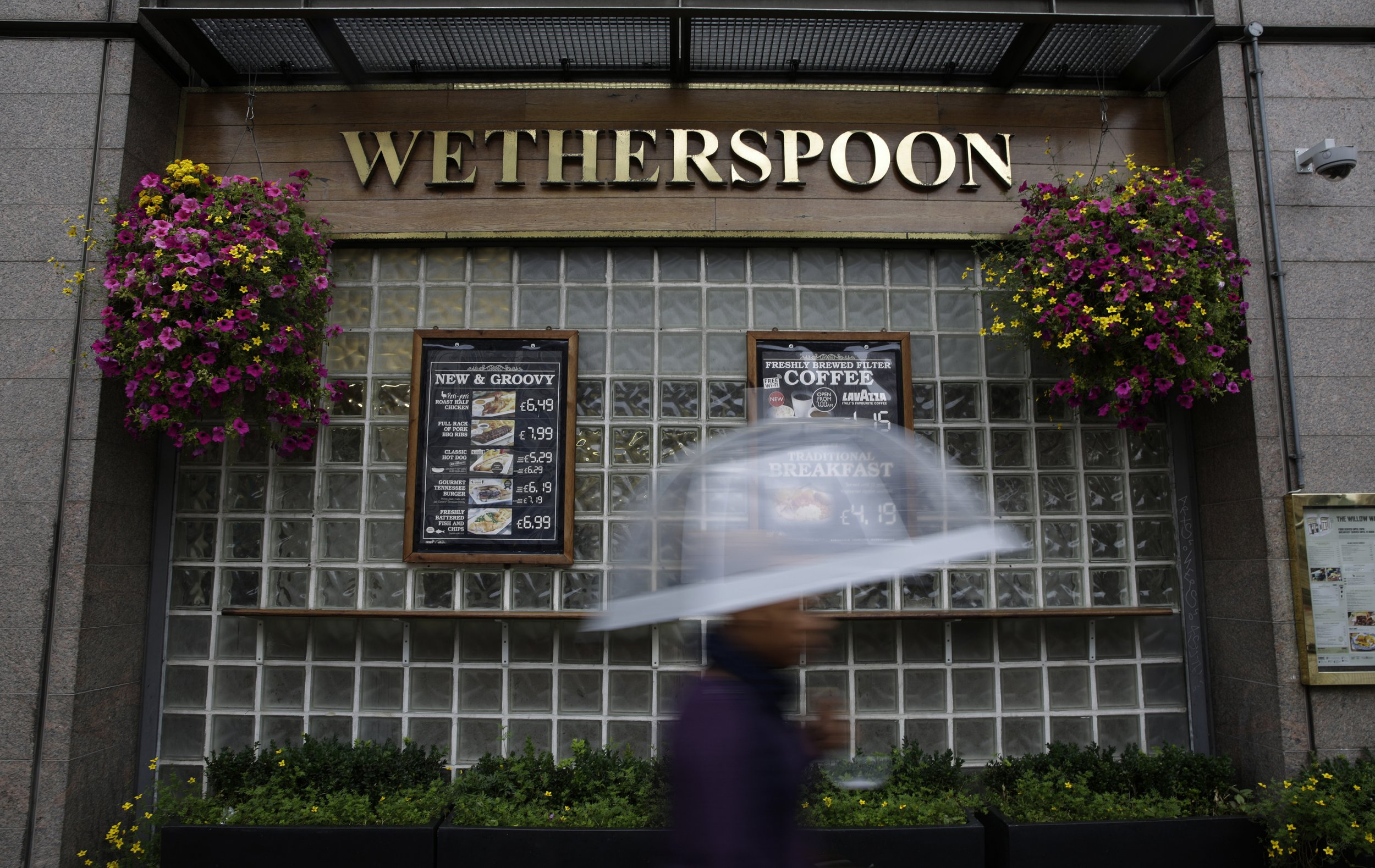 Couples can now get MARRIED at Wetherspoons for just £3,000 in all-inclusive wedding package