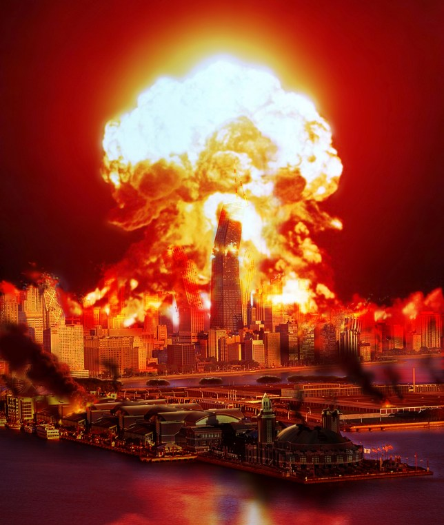 Chicago disintegrates as a nuclear explosion erupts in the middle of the city.