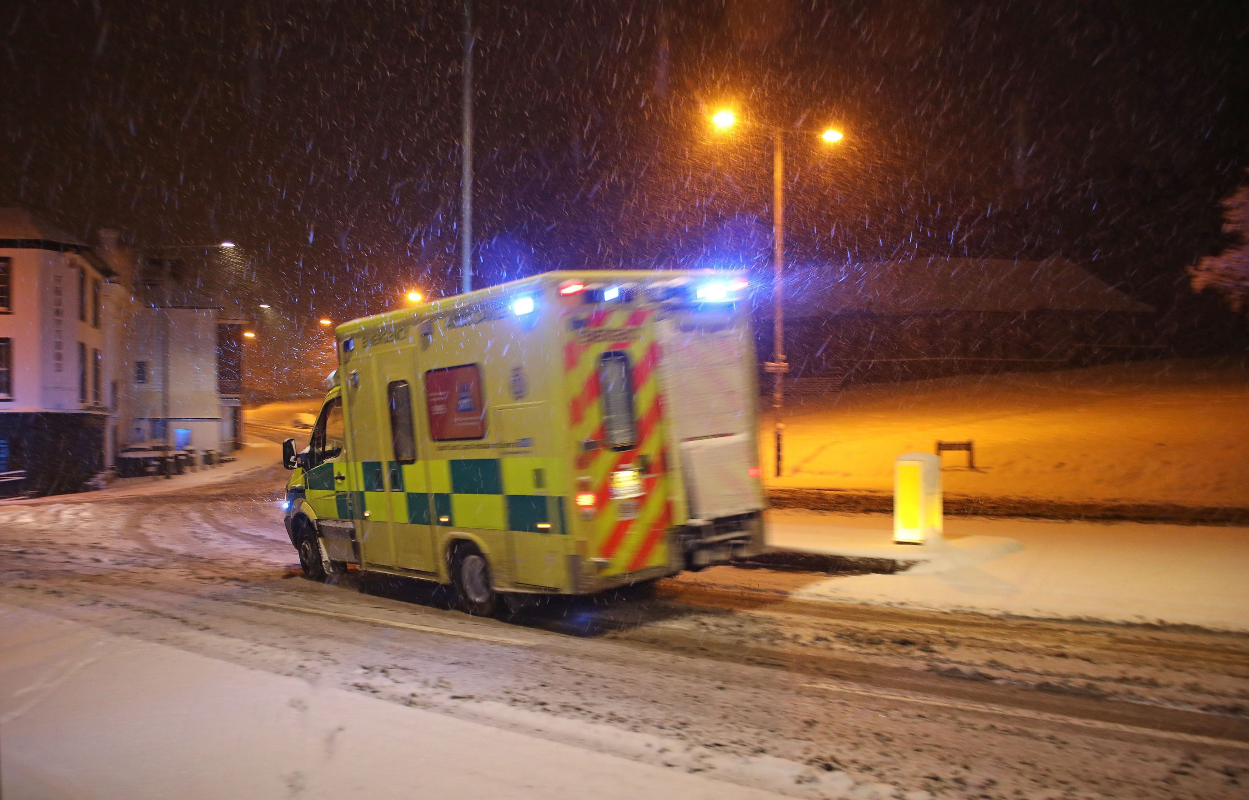 An ambulance drives through the snow in Tunbridge Wells, Kent, following heavy overnight snowfall which has caused disruption across Britain. PRESS ASSOCIATION Photo. Picture date: Tuesday February 27, 2018. Roads across the UK have already seen a blanketing of snow, with police forces reporting treacherous driving conditions and blocked routes. See PA story WEATHER Snow. Photo credit should read: Philip Toscano/PA Wire