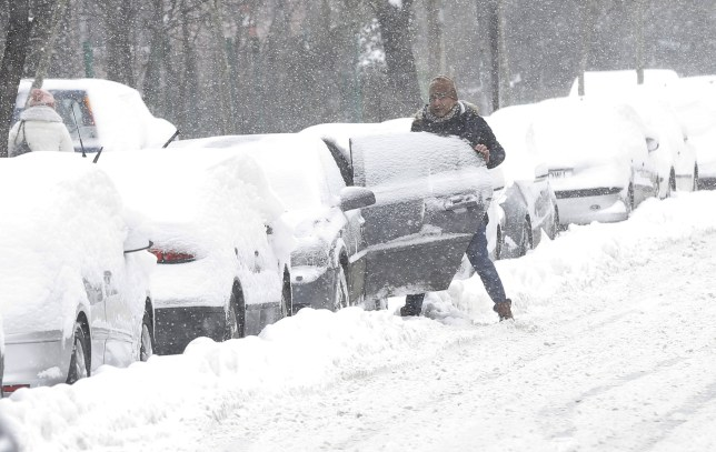 How to drive an automatic car in the snow | Metro News