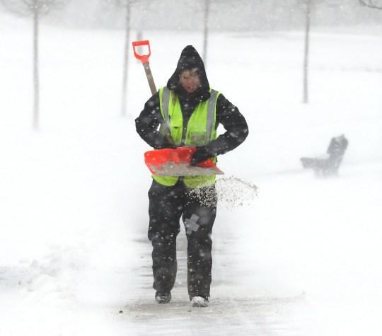 How to walk safely in snow and ice | Metro News
