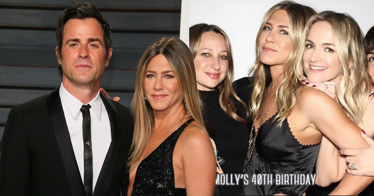 Jennifer Aniston is living her best life as she parties in photobooth following Justin Theroux split