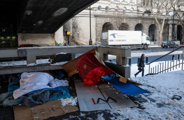LONDON, ENGLAND - FEBRUARY 28: Bedding and shelters belonging to homeless people lie under a bridge on the Embankment on February 28, 2018 in London, United Kingdom. Freezing weather conditions dubbed the 'Beast from the East' bring snow and sub-zero temperatures to the UK. Amber warnings are in place in northern England, the East Midlands, London, the east and south-east of England. Scotland's weather warning has been upgraded to red, which means risk to life, widespread damage, travel and power disruption are likely. (Photo by Jack Taylor/Getty Images)