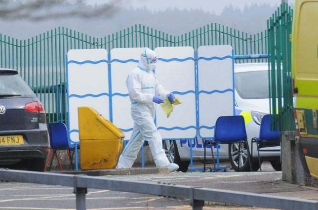 Salisbury hospital shuts A&E after 'major incident' | Metro News