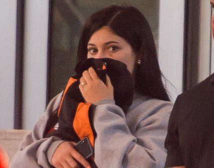 **UK MAGS MIN FEE ??250PP-DOUBLE FEES FOR COVER**UK WEB ??250 SET FEE**UK PAPERS MIN FEE ??250PP** EXCLUSIVE: **PREMIUM EXCLUSIVE RATES APPLY**NO WEB UNTIL 9:45pm PST**New mom Kylie Jenner and her rapper beau Travis Scott were spotted leaving a Miami Beach hotel on Sunday (march 4). The 20-year-old reality TV megastar covered up her face as she attempted to go incognito as she hopped into a waiting limousine wearing a grey sweatshirt and tight black cycling shorts. Travis, who was in town to perform at two events the previous night, walked out of the luxury beachfront hotel with pals shortly after Kylie and best palm Jordyn Woods climbed into their car. Pictured: Kylie Jenner Ref: SPL1667718 050318 EXCLUSIVE Picture by: Splash News Splash News and Pictures Los Angeles: 310-821-2666 New York: 212-619-2666 London: 870-934-2666 photodesk@splashnews.com
