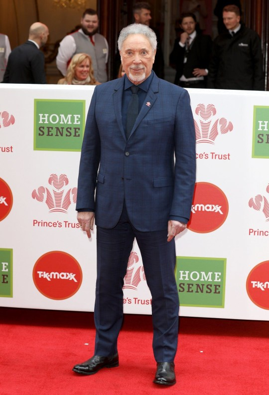Tom Jones cancels concert hours before performance due to