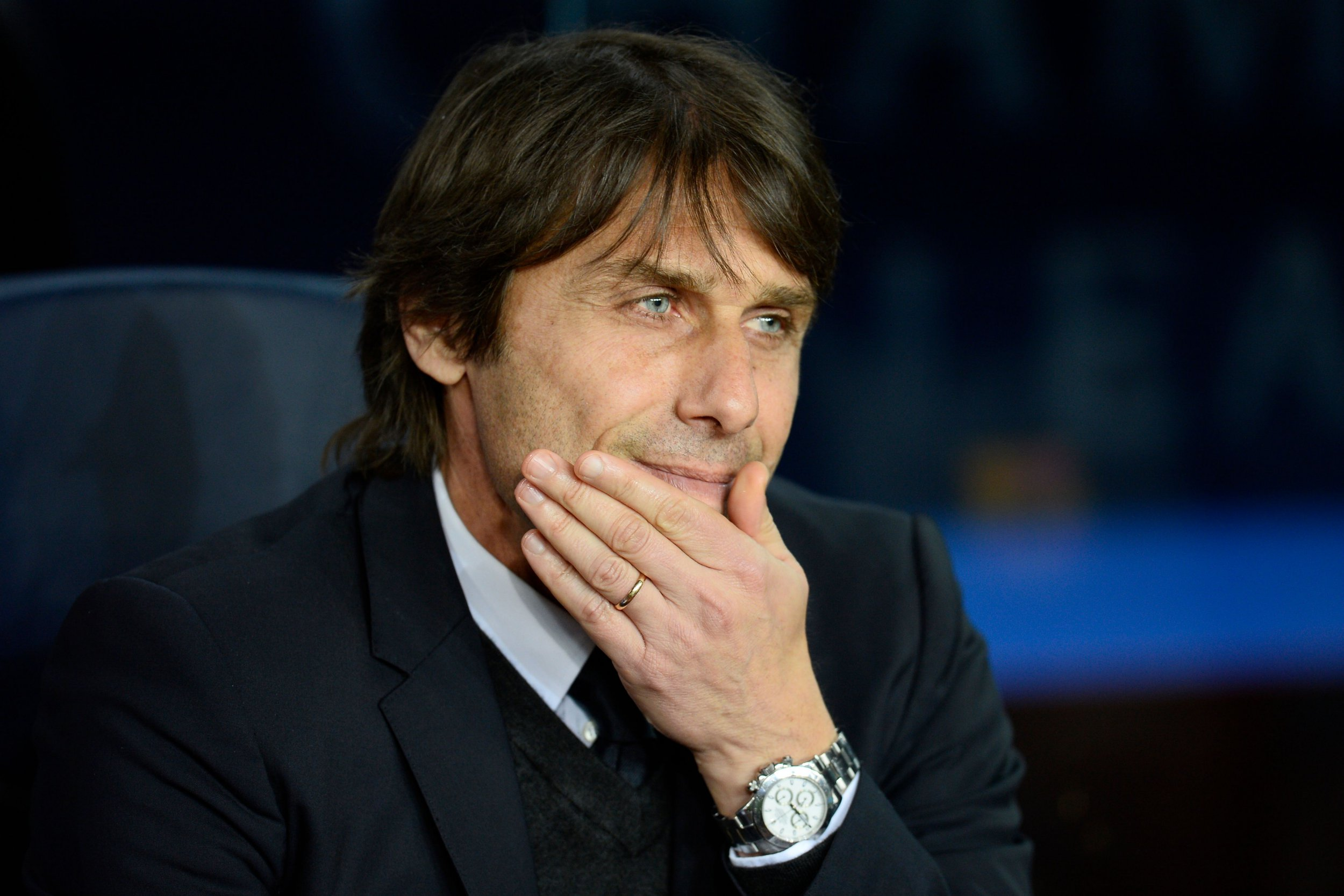 Chelsea's Italian coach Antonio Conte attends the UEFA Champions League round of sixteen second leg football match between FC Barcelona and Chelsea FC at the Camp Nou stadium in Barcelona on March 14, 2018. / AFP PHOTO / Josep LAGOJOSEP LAGO/AFP/Getty Images