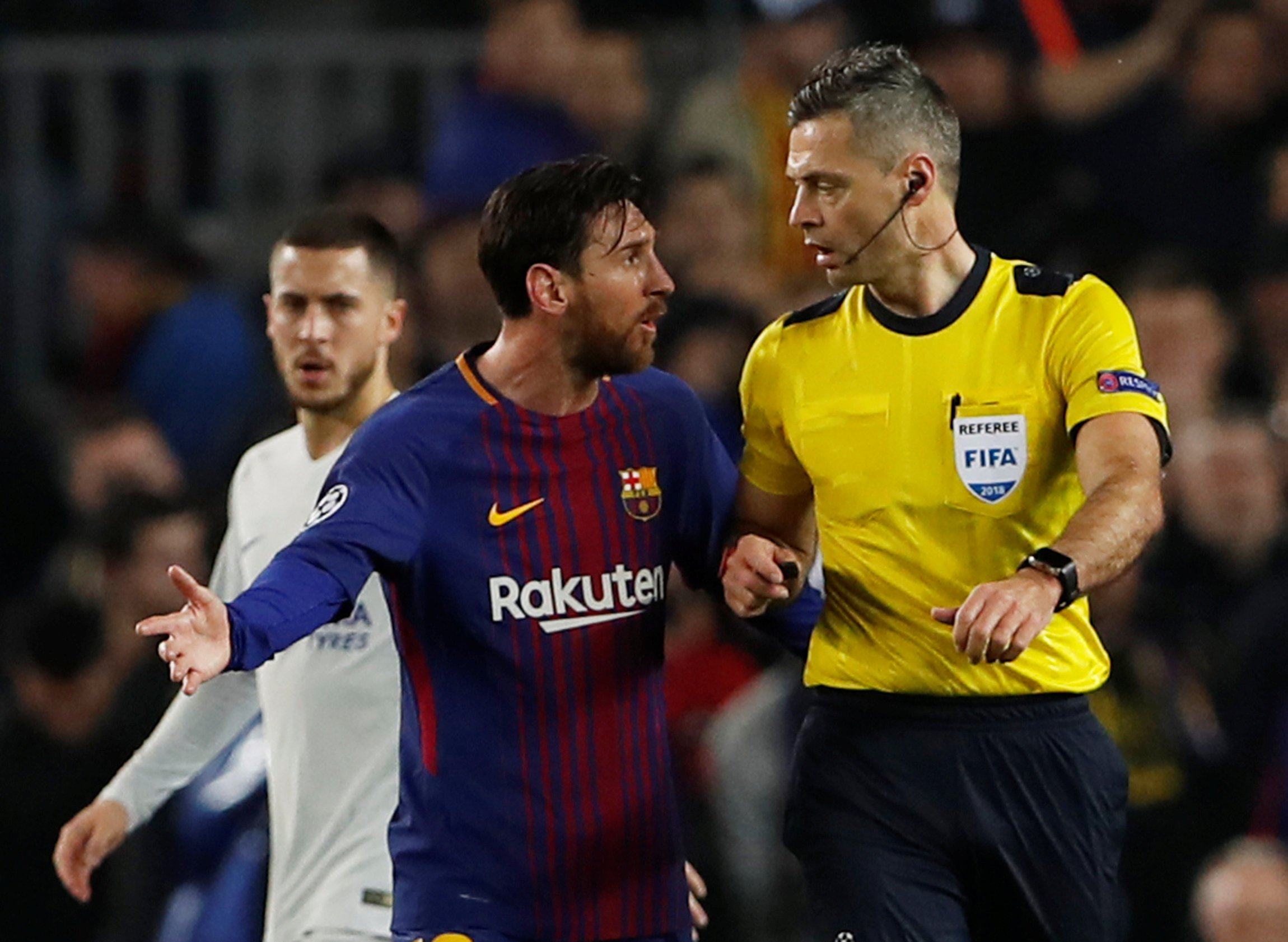 Soccer Football - Champions League Round of 16 Second Leg - FC Barcelona vs Chelsea - Camp Nou, Barcelona, Spain - March 14, 2018 Barcelona???s Lionel Messi speaks with referee Damir Skomina Action Images via Reuters/Lee Smith
