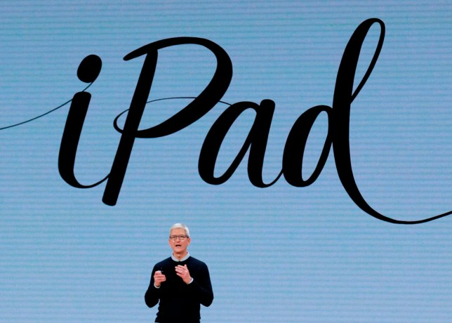 Apple CEO Tim Cook speaks at Lane Tech College Prep High School in Chicago,Illionos on March 27, 2018. / AFP PHOTO / JIM YOUNGJIM YOUNG/AFP/Getty Images