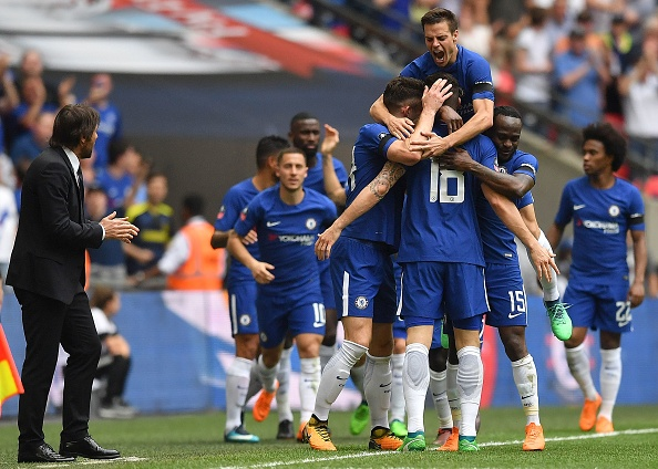 Olivier Giroud wondergoal helps Chelsea book FA Cup final against Manchester United