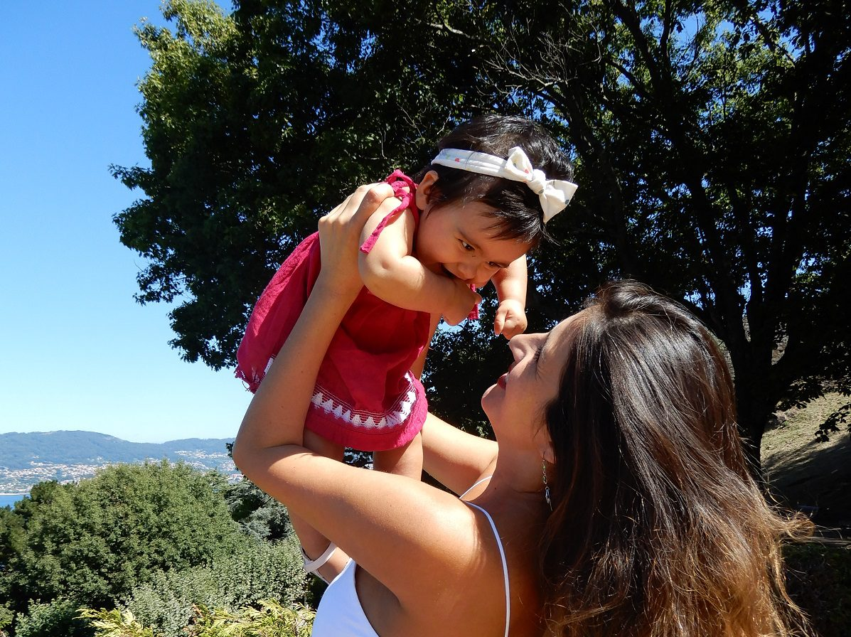 Amancay with her daughter