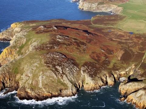 Hidden Bronze Age community discovered on British island
