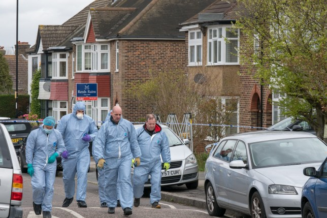 Investigation launched after man dies following suspected burglary Metropolitan Police - Apr 04, 2018 11:35 BST Officers from the Met???s Homicide and Major Crime Command are investigating the death of a man in Lewisham. At 00:45hrs on Wednesday, 4 April, police were called by a homeowner to reports of a burglary in progress at an address in South Park Crescent, Hither Green SE6, and a man injured. The 78-year-old resident found two males inside the address. A struggle ensued between one of the males and the homeowner. The man, aged 37, sustained a stab wound to the upper body. London Ambulance Service took the injured male, who was found collapsed in Further Green Road, SE8, to a central London hospital. He was pronounced dead at 03:37hrs.