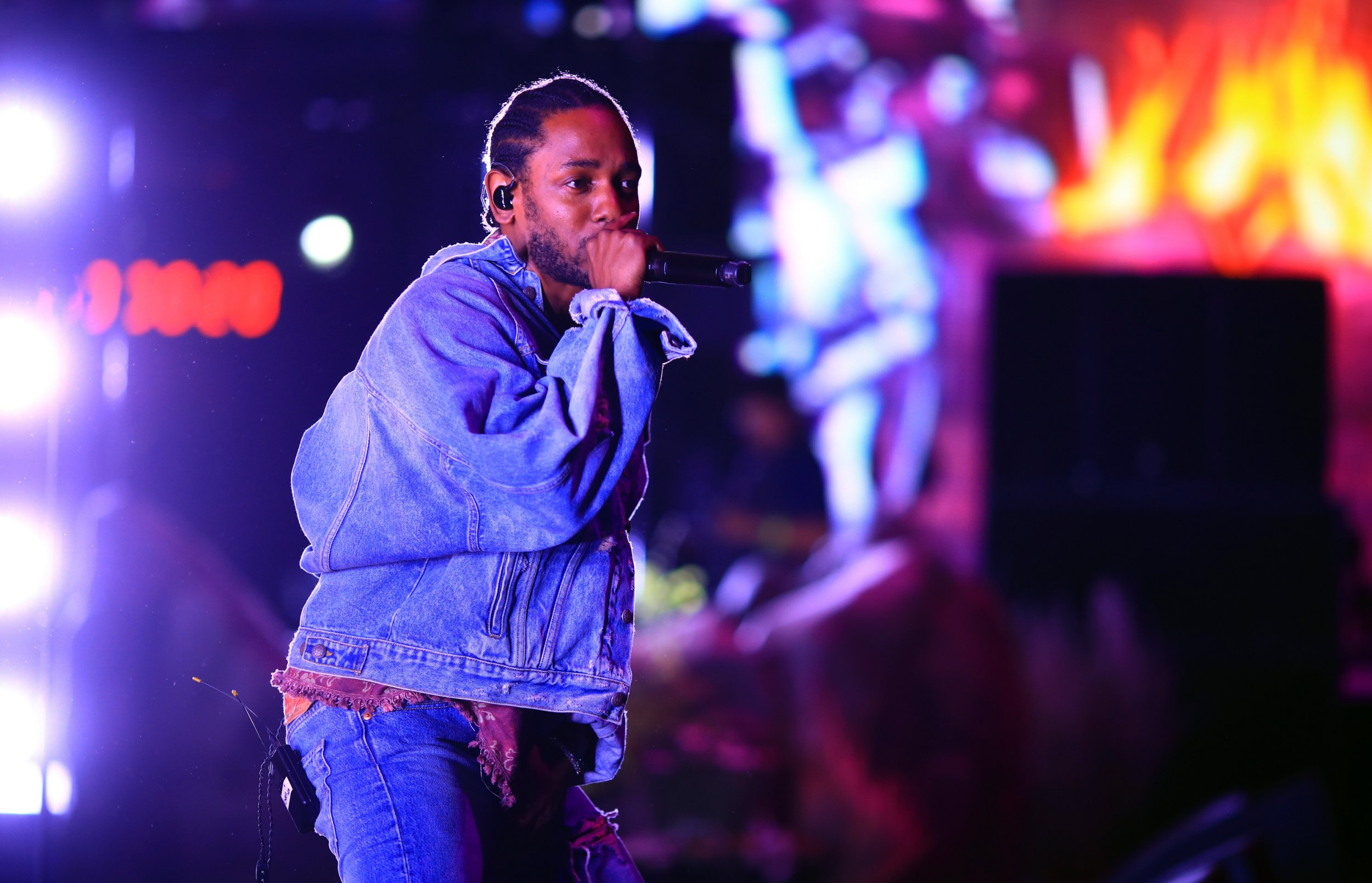 Kendrick Lamar becomes the first rapper to win the 2018 Pulitzer Prize for Music